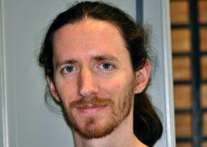(7) Quentin Rome chargé d'étude sur le frelon asiatique crédit MNHN